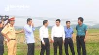 Phó Chủ tịch UBND tỉnh Nghệ An chỉ đạo khắc phục hậu quả vụ tai nạn đường sắt ở Diễn Châu