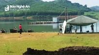 Phát hiện thi thể người đàn ông nổi trên hồ Khe Đá