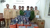 Bắt xe khách biển Lào vận chuyển 840 kg pháo trái phép