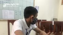 Bị phạt vì không đội mũ bảo hiểm, nam thanh niên lên mạng xúc phạm công an