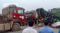 Nghệ An: Tai nạn xe tải nghiêm trọng, 2 người thiệt mạng  