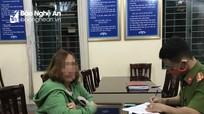TP Vinh xử phạt hành chính người phụ nữ không đeo khẩu trang nơi công cộng