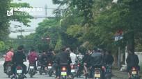 Triệu tập nhóm thanh niên Nghệ An đi xe máy dàn hàng ngang đăng trên mạng xã hội