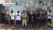 Tóm gọn 42 con bạc say sưa sát phạt lúc nửa đêm ở Nghệ An