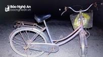 Va chạm với xe container giữa đêm, người đàn ông đi xe đạp tử vong tại chỗ