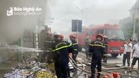 Cháy xưởng gia công nội thất lớn ở TX Hoàng Mai