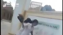 Nữ sinh bị đánh chỉ vì góp ý mẫu áo mới mỏng, hở hang
