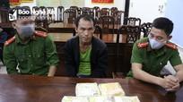 Cảnh sát nổ súng vây bắt cán bộ y tế mua bán nửa yến ma túy đá