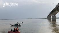 Tìm thấy thi thể thanh niên nhảy cầu Yên Xuân tự vẫn dưới sông Lam