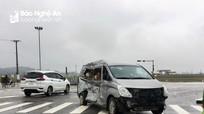 Xe ô tô tải trọng lớn và xe 9 chỗ đâm va cực mạnh trên đường N5 ở Nghệ An