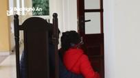 Xót xa con thơ đến phiên tòa xử bố mang án tử, mẹ vào tù
