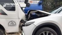 Tài xế nguy kịch sau khi xe tải và xe con đối đầu trên Quốc lộ 48 - Nghệ An 