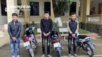 Nghệ An triệu tập thêm 2 thanh niên đi xe máy bốc đầu, khoe chiến tích trên Tiktok