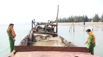 Lợi dụng công trình cáp treo để khai thác cát trái phép vùng cửa Sông Lam