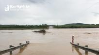 Nhiều cầu tràn ở Nghệ An ngập nước, giao thông chia cắt