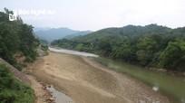 Thượng nguồn sông Lam 'trơ đáy', hạ lưu đối mặt nguy cơ thiếu nước sản xuất