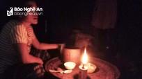 Nhiều bản làng biên giới Nghệ An khát khao ánh điện