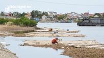Nghệ An: Hàng chục bè nuôi hàu chiếm chỗ tránh trú bão của tàu thuyền