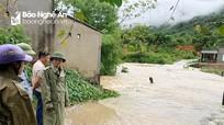 Ảnh hưởng của bão số 4, huyện Anh Sơn có 66 nhà dân bị sập và tốc mái