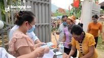 Cử tri các dân tộc huyện vùng cao Quế Phong tham gia ngày hội non sông
