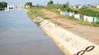 Hàng trăm chiếc phao cứu sinh được thả xuống sông Đào ở Yên Thành