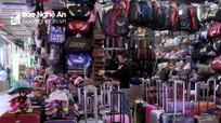 Tiểu thương chợ Vinh háo hức chờ đón trận bán kết Việt Nam - Quatar