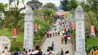 Sôi nổi lễ hội Đền Choọng ở miền Tây xứ Nghệ