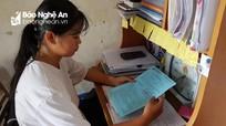 Mẹ mắc bạo bệnh, nữ sinh nghèo làng biển Nghệ An đau đáu khi đến với giảng đường