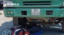 Nghệ An: 2 mẹ con tử vong thương tâm dưới gầm xe tải