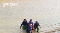 Tìm thấy thi thể bé trai bị đuối nước ở sông Đào