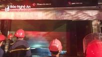 Cháy cửa hàng hoa tươi ở TP Vinh, 4 người thoát nạn