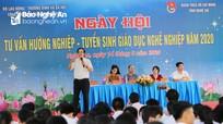 Gần 3.000 học sinh Nghệ An tham gia ngày hội Tư vấn hướng nghiệp