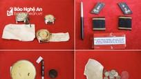 Những di vật 'kể chuyện' liệt sĩ ở Bảo tàng Quân khu 4