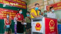 Gần 99% cử tri ở Nghệ An bỏ phiếu bầu đại biểu Quốc hội và HĐND các cấp