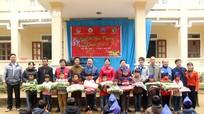Hàng ngàn suất quà đến với trẻ em vùng cao Con Cuông, Kỳ Sơn