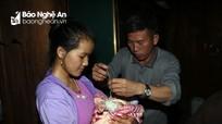 Độc đáo lễ cầu may đón cháu ngoại của người Mông Nghệ An