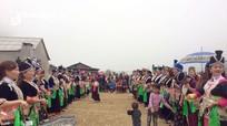 Rộn rã hội ném pao người Mông sau cổng trời Mường Lống