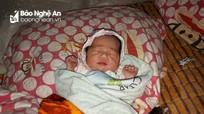 Nghệ An: Bé gái 1 tuần tuổi  bị bỏ rơi bên vệ đường