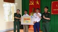 Trao nhà ăn cho học sinh bán trú vùng biên Kỳ Sơn