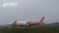 Thời tiết xấu, hàng trăm khách hàng bị mắc kẹt ở sân bay Vinh