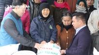 Tổng Công ty Vật tư nông nghiệp Nghệ An trao gần 80 tấn gạo cho người nghèo