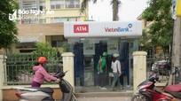 Ngày nghỉ khách thất vọng vì cây ATM của nhiều ngân hàng không có tiền