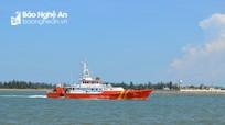 Tàu SAR 411 cứu nạn tàu cá Nghệ An bị hỏng máy trên biển