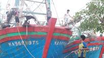 Gần 3.300 tàu thuyền Nghệ An đã về bờ tránh bão số 5