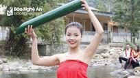 Thiếu nữ Thái căng tràn sức sống khoe sắc đầu xuân ở Nghệ An