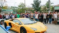 """Dàn siêu xe của Cường """"đô la"""", Minh """"nhựa"""" lần đầu tiên xuất hiện ở Nghệ An"""
