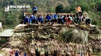 50 thanh niên giúp gia đình đặc biệt khó khăn biên giới dựng nhà