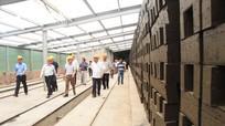 Chủ tịch UBND tỉnh Nguyễn Xuân Đường kiểm tra một số dự án, mô hình sản xuất ở Tân Kỳ