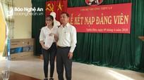 Kết nạp đảng viên mới trong trường THPT