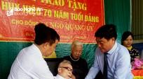TP. Vinh, Nghĩa Đàn: Trao Huy hiệu 70 tuổi Đảng cho đảng viên